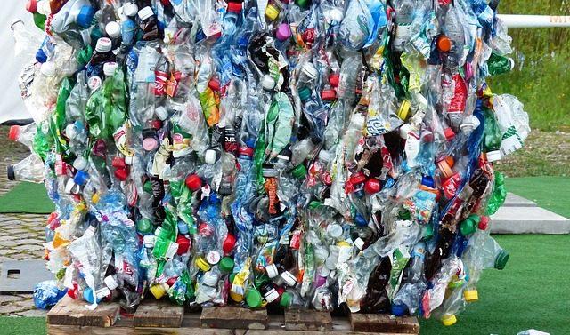 Plast är vardagsmat för människor