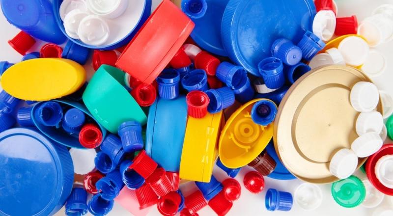 Kemikalieinspektionen varnar: Förbjudna ämnen i små prylar