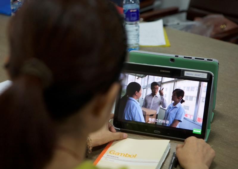 Lindex utbildar textilarbetare i arbetsrätt