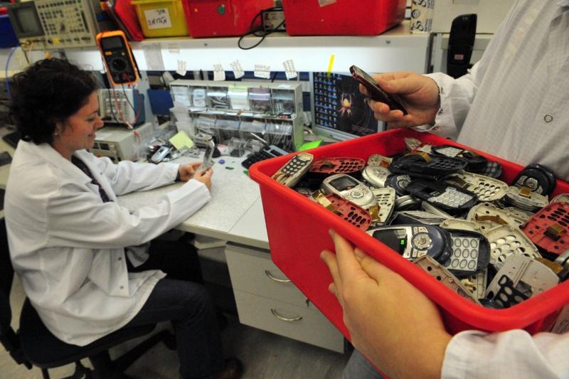Dålig information om återvinning av mobiler