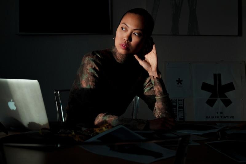 Modedesigner tar fram klädkollektion av återvunna arbetskläder från Spendrups