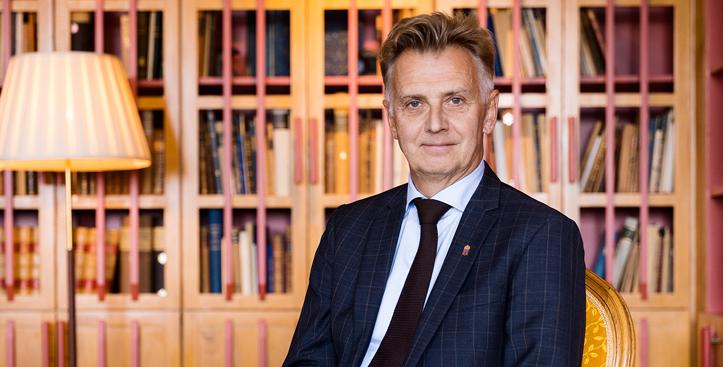 Anders Danielsson ska klimatgranska lagstiftningen